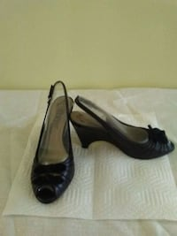 Women's Shoes - size 5-1/2 Lemont, 60439