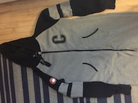 Black and gray zip-up hoodie Longueuil, J4V 1R9