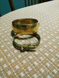 Two gold colored bracelets Columbia, 17512