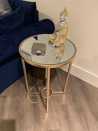 gold mirror end table  New Orleans, 70118