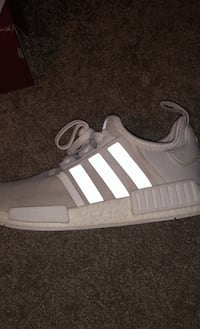 R1 Triple White Nmd Langley, V3A 8N4