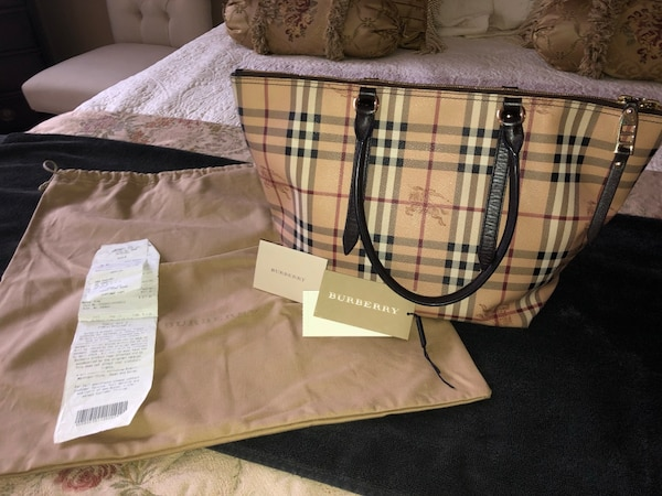 01fce9a5fe25 Used AUTHENTIC Burberry purse in excellent condition! for sale in ...