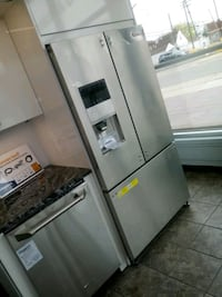 Stainless fridge and dishwasher Dearborn, 48124