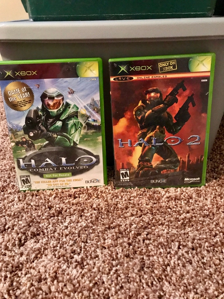 Halo and Halo 2 Xbox game cases for sale  Lethbridge