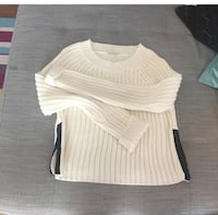 White knit sweater with zippers on each side  Winnipeg, R3P 2E4