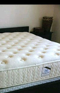 MODEL HOME DISPLAY MATTRESS- NEVER BEEN SLEPT ON!