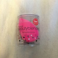 Brand new pink beauty blender