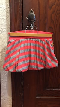 Children's pink and grey striped bubble skirt. Girl's size 7/8.  Montréal, H3X 2P8