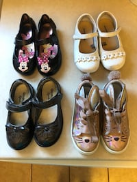 Four pairs of toddler girl size 9 dress shoes Romeoville, 60446