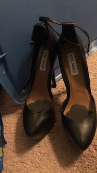 pair of black leather heeled shoes Alexandria, 22310