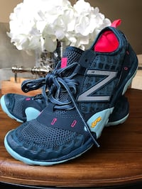 100% New never used Size 8, New Balance Vibram Minimus Women's Arlington, 22204