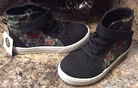 Boy toddler's black/camou high cut shoes ( brand new with tag Calgary, T2J 1V4