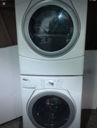 White front-load clothes washer Brossard, J4W
