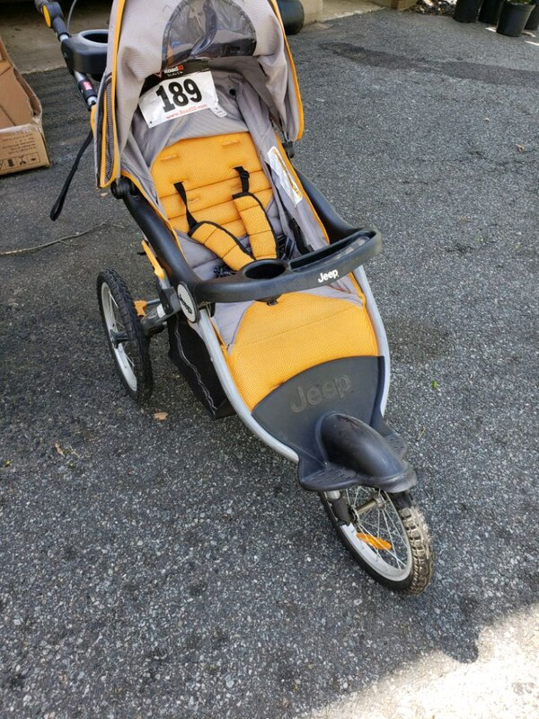 Used Jeep running stroller for sale in Boonton - letgo