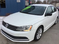 *CLEAN CARFAX* 2015 Volkswagen Jetta SE 1.8T -- GUARANTEED CREDIT APPROVAL! Des Moines