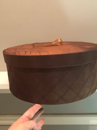Priced to sell! Lovely round storage box. Located Millwoods/south side Edmonton, T5H