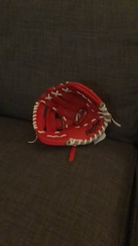 Child's Baseball Glove (4/5 year old)  Coquitlam, V3B