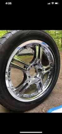 "17"" 5 LUG 4.5 CHROME RIMS AND TIRES GOOD CONDITION  Trumbull, 06611"