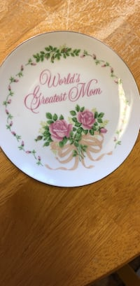 "6""plate. Worlds greatest mom Medford, 11763"