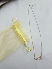 Rose gold eternity necklace / collier Montreal