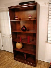 Like new solid wood bookcase/shelves in very good  Annandale, 22003