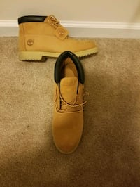 Men Tims Size 11 Good Condition