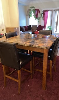 Dining table  Williamsport, 21795