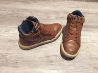 Geox boys shoes size 1 hardly used and in good condition  Mississauga, L5M
