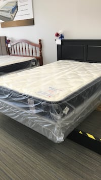 Queen Euro pillow top mattress set Greenville, 29607