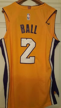 New Large Lakers Lonzo Ball, I'm in Sherman oaks  California, 91423