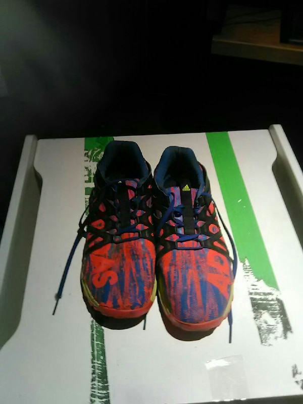 9759d33a4 Used Adidas Vigor Bounce Shoes for sale in Austin - letgo