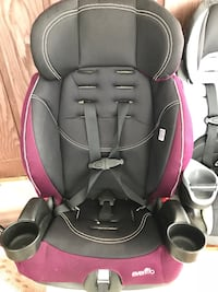 Baby's black and pink evenflo car seat Ottawa, K1T