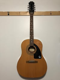 Acoustic guitar Epiphone in good shape  Montreal, H4G 1K7