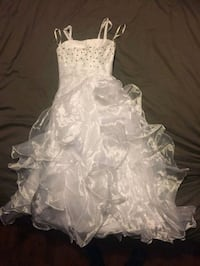 beautiful white gown 550 km