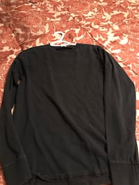Men's long sleeve shirt small Calgary, T2A