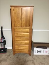 Solid wood hutch. Drawers & cabinets with built in mirror. Needs some cute knobs-obo Henrico, 23233