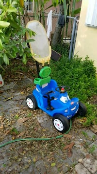 toddler's blue and green push trike Hialeah, 33012