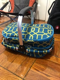 Insulated picnic basket and blanket