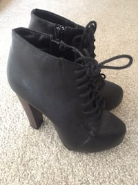 Booties Size 6 Calgary, T3H 4M6