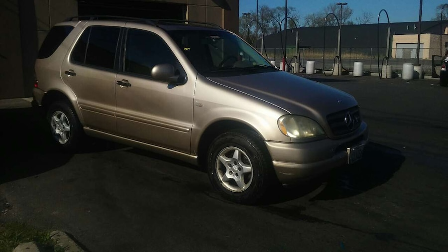 Used 2001 mercedes benz ml 320 super clean 2500obo in dolton for Mercedes benz norwood