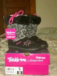 Skecher twinkle toes light boots.. Columbus, 43206