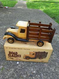 Road Classics wooden automobile collectibles