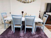 Beautiful wooden dining table with 4 chairs  for sale Ashburn, 20148