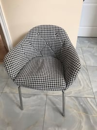 4 Great Condition Mobilia Dining Chairs Markham