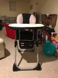 Baby's black and white high chair Fairfax, 22030