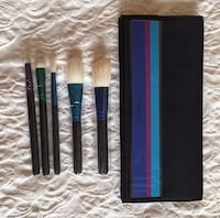 MAC Enchanted Eve Travel Brush Kit Oakville
