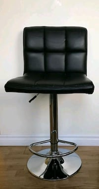 black leather padded rolling chair 536 km