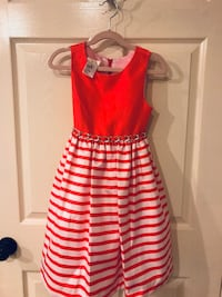 Beautiful girls dress size 6. No stains or tears   Pharr, 78577
