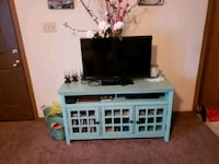 white and black wooden TV stand Tahlequah, 74464
