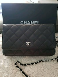 quilted black Chanel leather crossbody bag Toronto, M5V 0B8